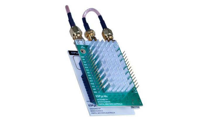 ESP32-M1 扩展板实物图