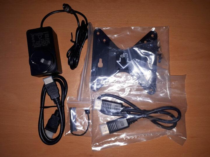 MINISFORUM X35G 套件包含的物品