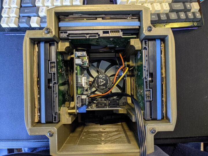 树莓派CM4 NAS服务器内部构造