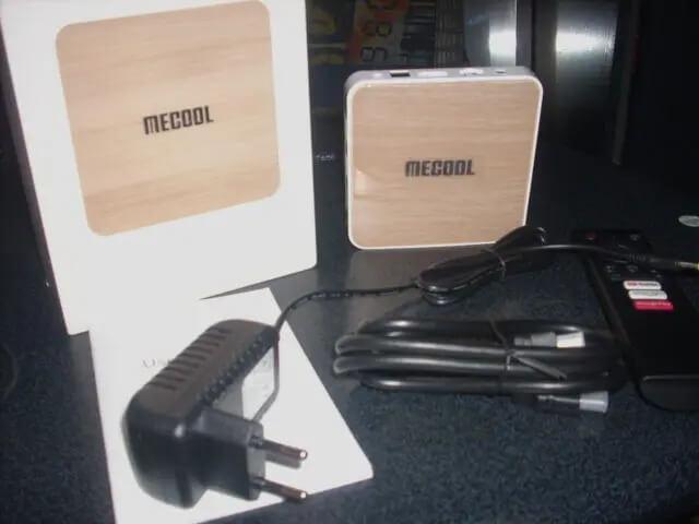 Mecool KM6豪华版电视盒