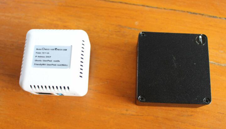 NanoPi NEO3(左)和 NanoPi R2S(右)外壳