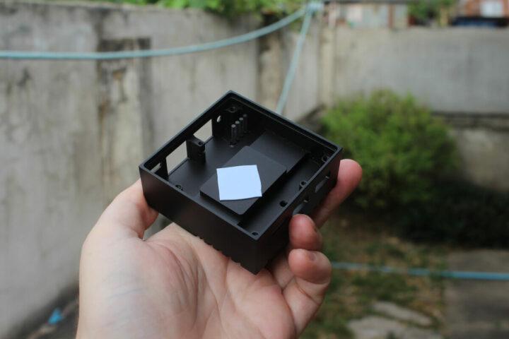 NanoPi R4S的导热垫与金属外壳