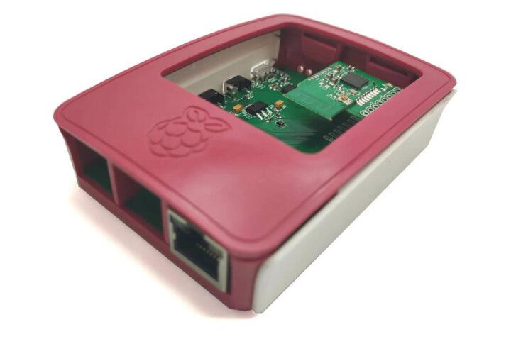 安装在树莓派4外壳中的ZiGate以太网和PiZigate