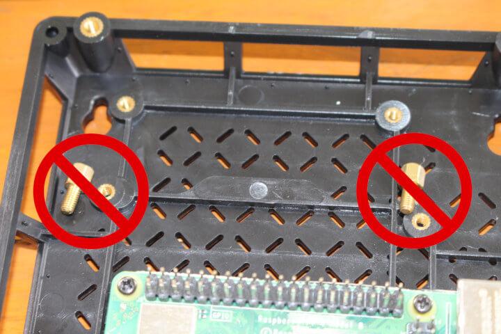 安装树莓派4到re_computer机箱遇到的螺丝不匹配问题