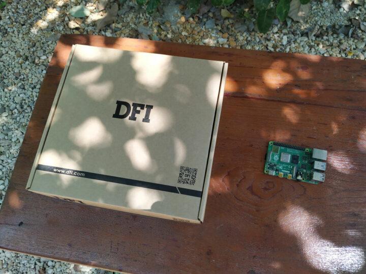 DFI AMD锐龙嵌入式SBC包装与树莓派4