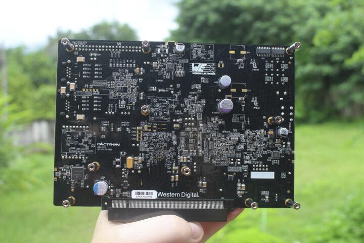 电路板上的USB芯片和电容