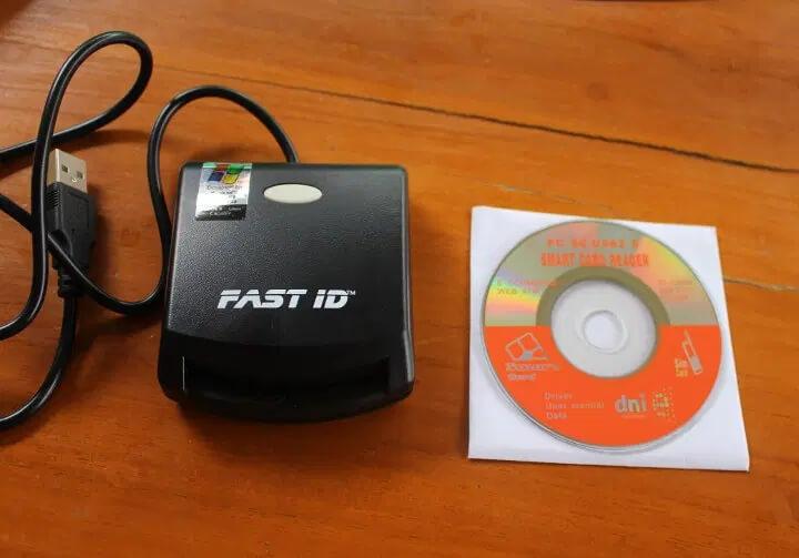 EZ100PU智能读卡器及驱动光盘